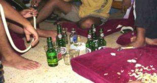 ضبط أشخاص بينهم فتيات متلبّسين بمعاقرة الخمر ليْلاً داخل مؤسسة تعليمية